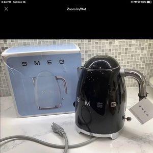 Smeg tea kettle NIB NO OFFERS